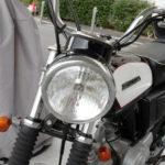 バイクは昼間もライトオン
